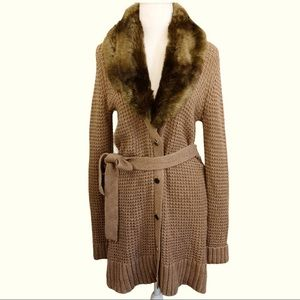 C WONDER FAUX FUR COLLAR BELTED CARDIGAN